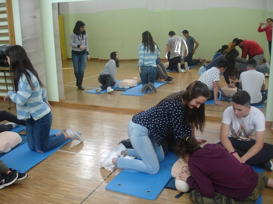 10-04-17, Manobras básicas de primeiros auxilios: a de Heimlich e a RCP, Por Manuel Alba Sánchez (4º ESO)