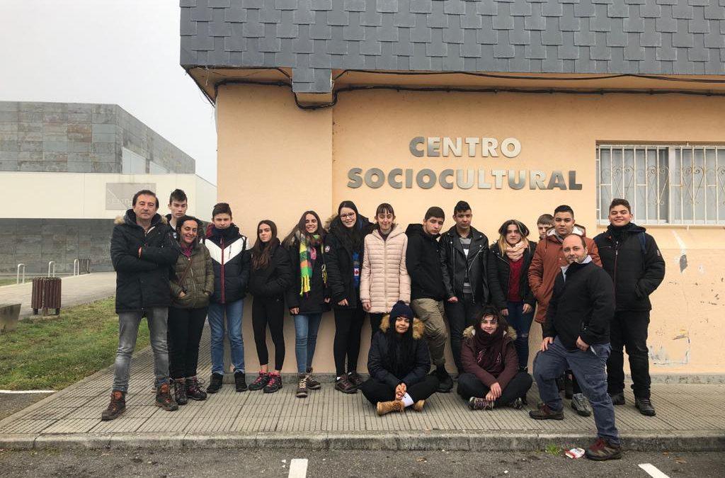 Alumnado do IES de Becerreá visitan no Corgo os restos de Vía Romana XIX por Tamara Simón Ferreiro. As fotografías son de Marcela Miñambres